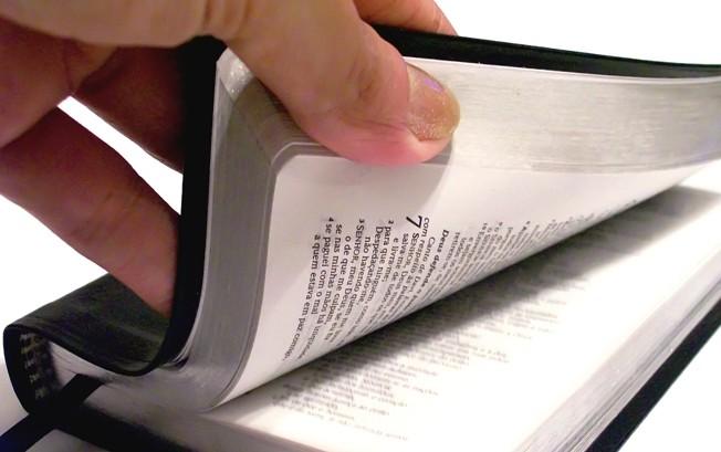 opening-bible